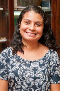 Danielle Maria Perpétua Santos - 001