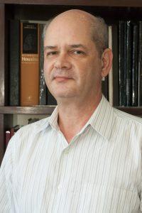 Roberto de Barros Faria